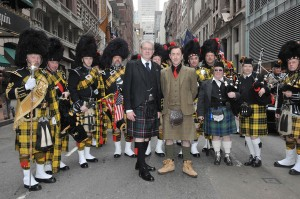 Alan Cumming tartan day grand marshall